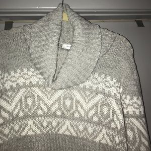 Beautiful Cowl Neck Knit Top. Med. MUST BE BUNDLED